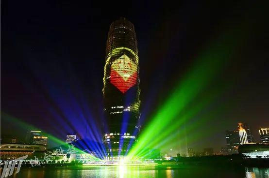 鸿合科技倾情打造郑州激情跨年灯光秀