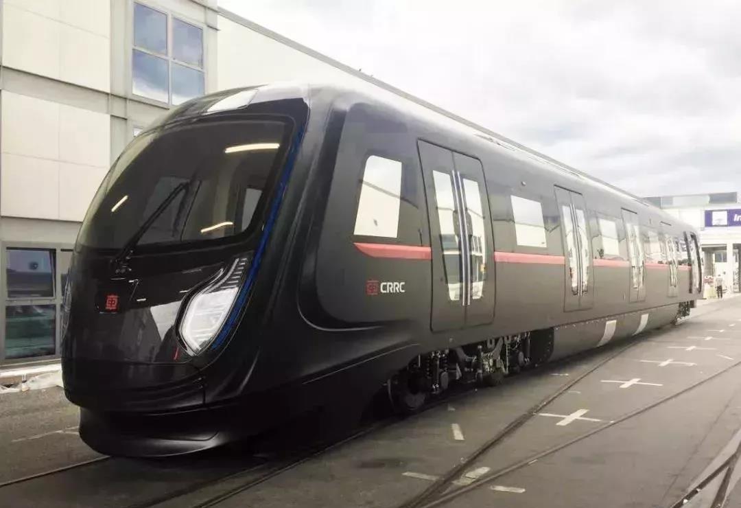 【商显案例】车窗上刷视频不是梦,全球首列触控列车来